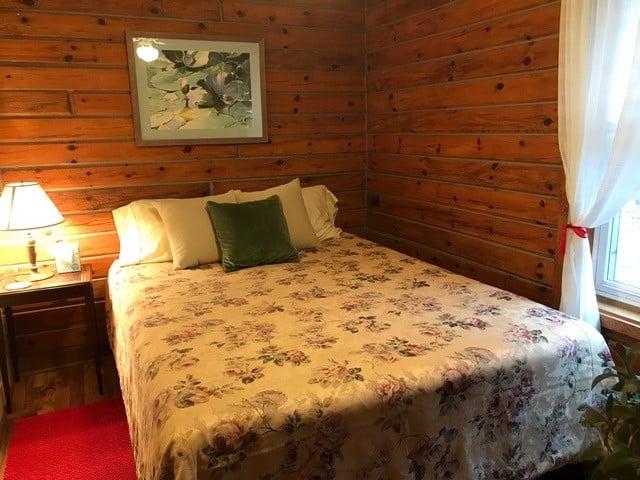 2 cabin rooms in main cabin A
